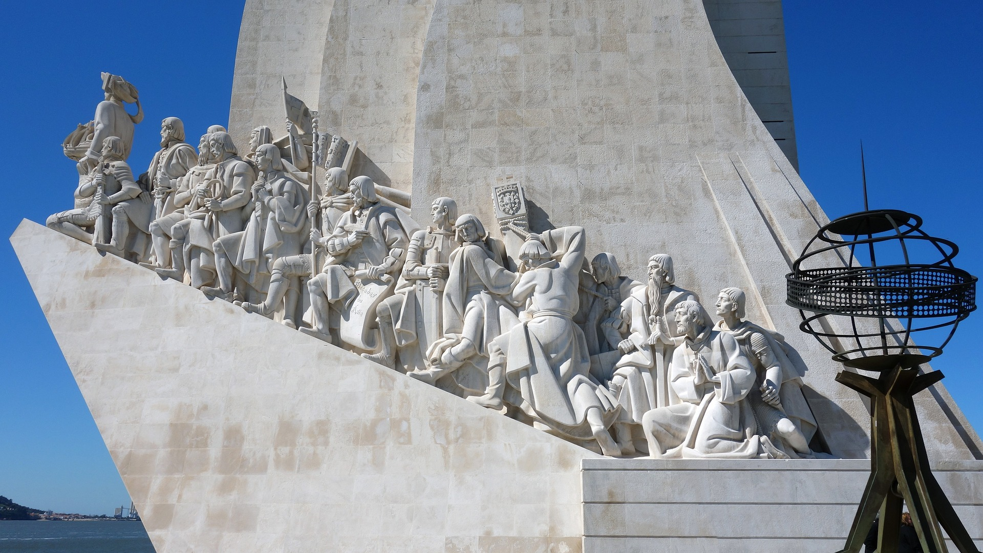 monument-of-the-discoveries-3264431_1920